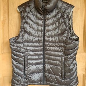 Goose down puffer Vest by Bernardo Silver Purple